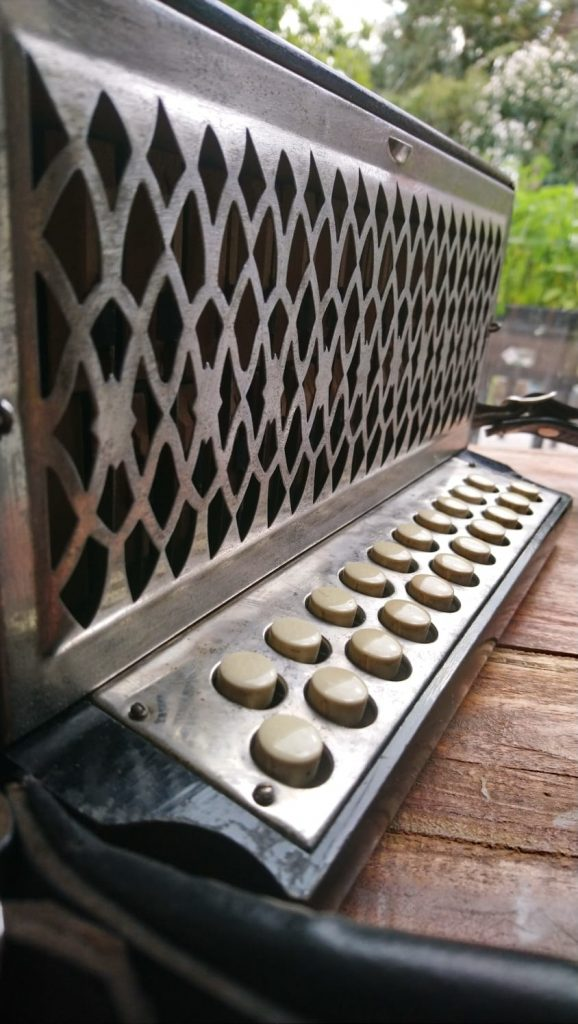 Antique Hohner 3-voice C#/D