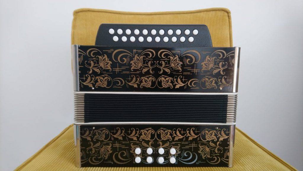 For Sale Weltmeister Melodeon AD Bass display front