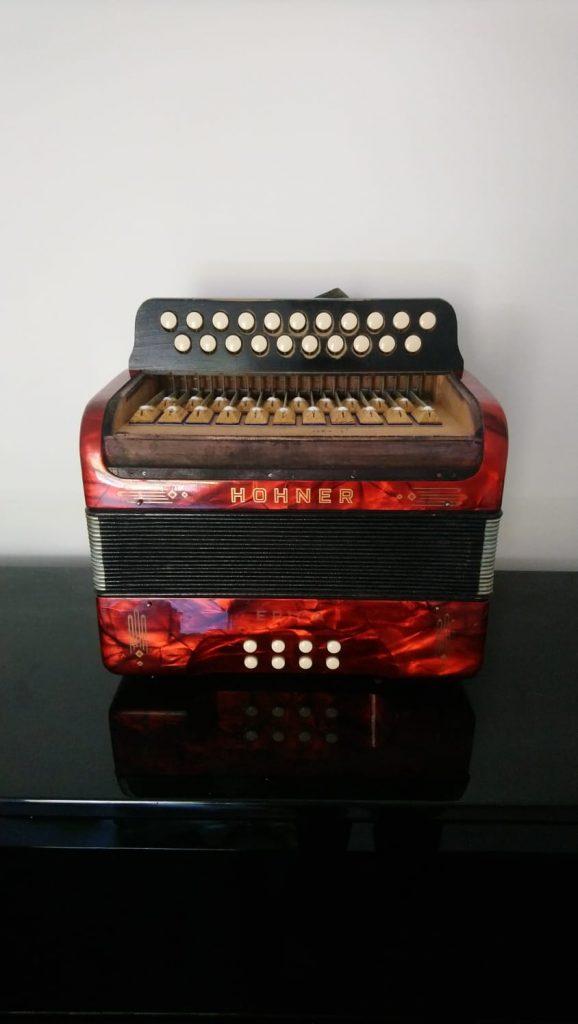 Hohner Erika wooden keyboard