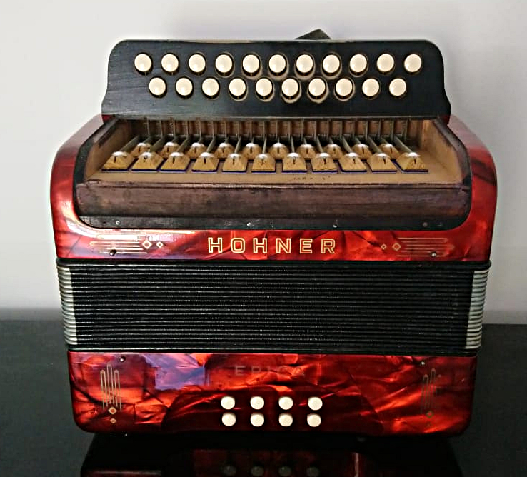 Restored 1950ies Hohner Erika converted to D/G