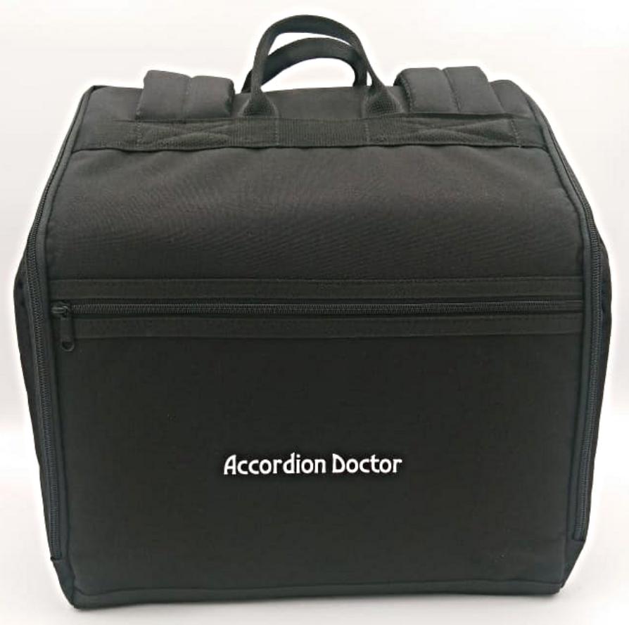 Quality Italian gig bag for diatonic button accordions